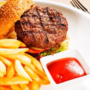More Americans will likely head to fast casual dining hotspots in 2014.