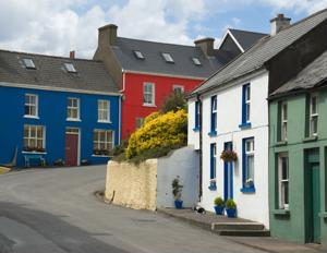 3 must-see small Irish towns