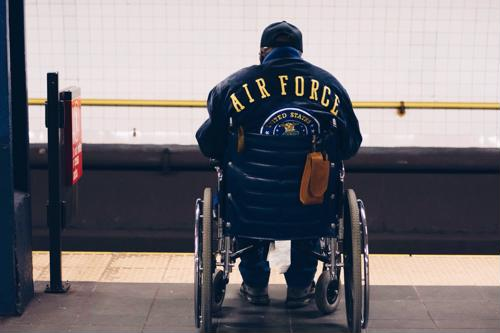 A new study shows promise for helping veterans ease back into civilian life and improve emotional health.