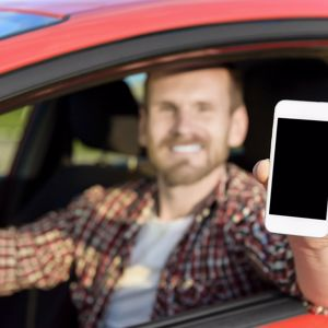 An overwhelming majority of drivers say texting is a major hazard.