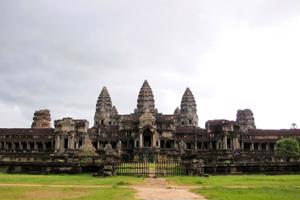 Cambodia tours should include a visit to the Bayon