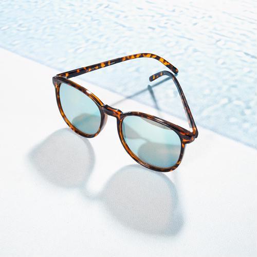 543ec95bd7b 5 eyewear styles and how to wear them sunglasses. Mar 21