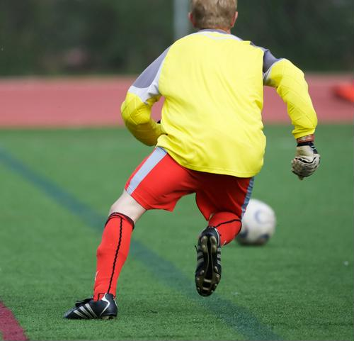 Curbing soccer injuries by staying warmed up