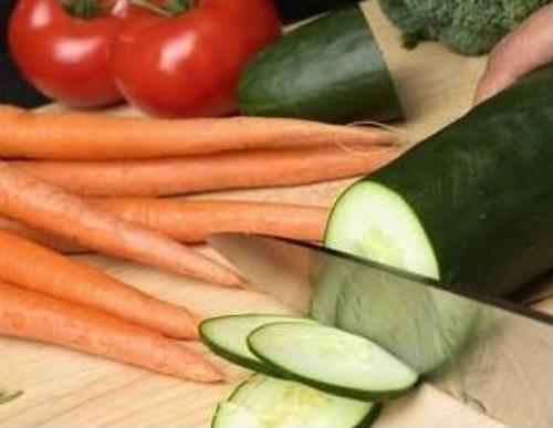 Eating some vegetables may decrease risk for hip fracture