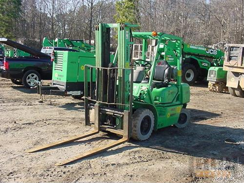 The majority of warehouse functions require a forklift of similar powered industrial vehicle to get the job done, but holding onto these machines for too long could lead to higher fleet maintenance costs and could even effect forklift safety.