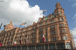 View of Harrod's department store, Knightsbridge, London - London Travel News