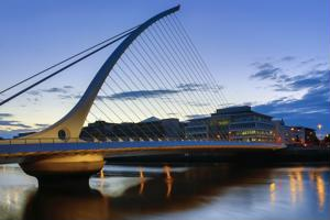 Hundreds of tech jobs open up in Ireland