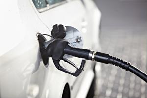Breakdown in supply chain raises oil prices