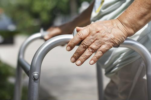Keep these tips in mind for a strong recovery after your knee replacement surgery.