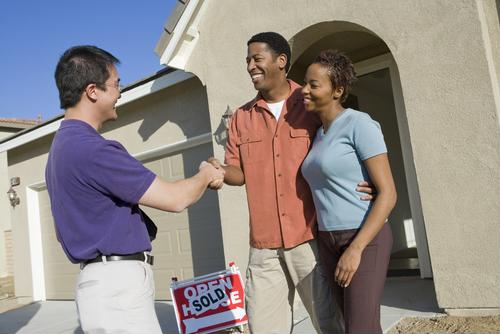Mortgage rates inching down closer to historic lows