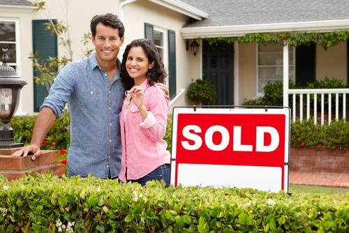 First-time home buyers have an advantage as mortgage rates take a tumble