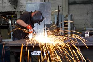Midwest manufacturing sees boost in hiring