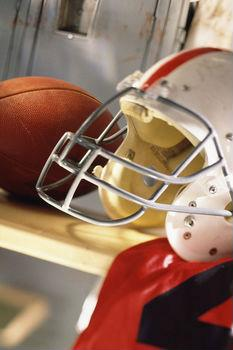 New football helmets may reduce concussion risk