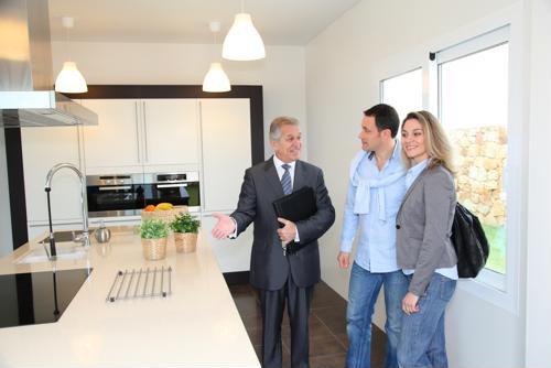 Private showings or open houses: Which is the best path to homeownership?