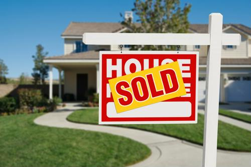 Pending home sales surpass expectations in February