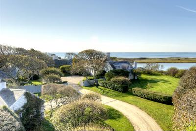 Philanthropist Bunny Mellon sells historic Cape Cod estate