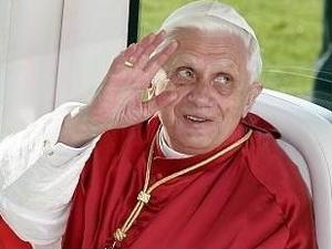 Pope's resignation spurs interest in Italy tours