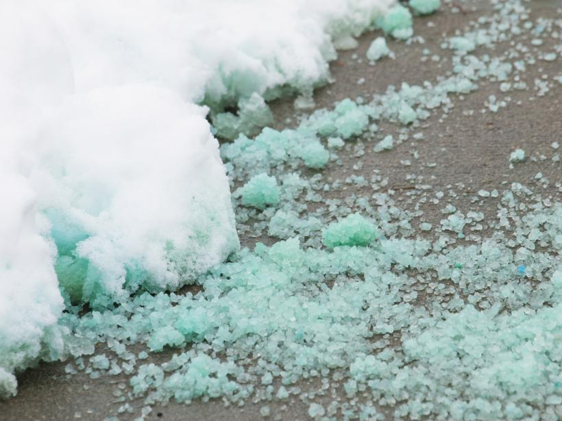 How to de-ice your walkways before a big move [Video]