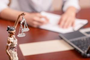 Validar tu título de abogado en Estados Unidos te da muchas ventajas. Sigue leyendo y descubre cómo hacerlo.