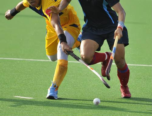 When it comes to concussions, field hockey is not the first sport that comes to mind. However, this injury, as well as eye injuries, can happen without the right protection. Luckily, simply wearing eyewear may help significantly reduce those chances.
