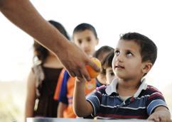 La Journée mondiale de l'aide humanitaire rend hommage aux personnes qui font face au danger pour aider les autres