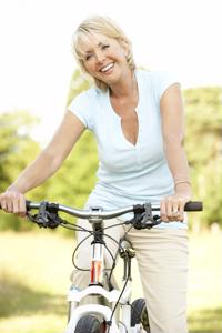 Baby boomers are choosing to retire in an active lifestyle.
