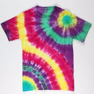 Create one last tie-dye T-shirt for the arrival of the fall weather