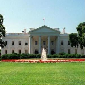 Mid shot of the White House in Washington, D.C. - Washington Travel News