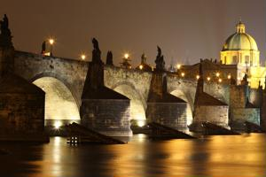 Prague's Charles Bridge a romantic sight   - Romance Travel News