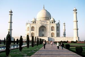 Visit the Taj Mahal in Agra on the Palace tour. - Agra Travel News