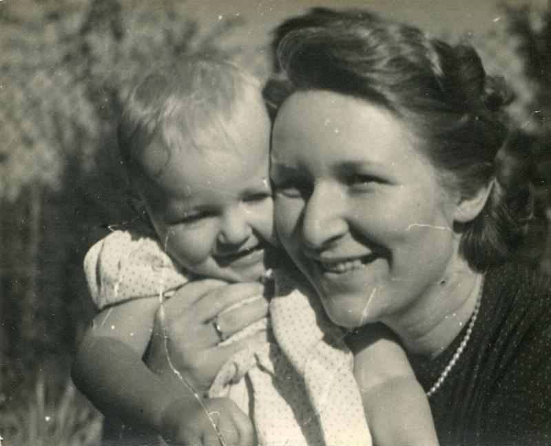 old photo, historic photo, mother, photograph, photography, black and white