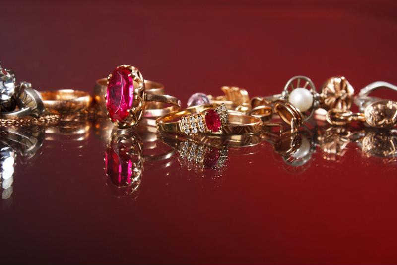 ZFolio carries fine jewelry from some of the world's greatest designers.