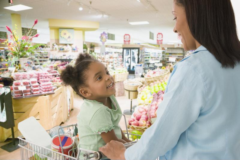 Engaging the help of your little one at the grocery  store will benefit you both.