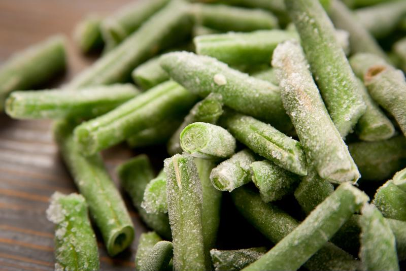 Label your frozen green beans to distinguish them from other freezer items.