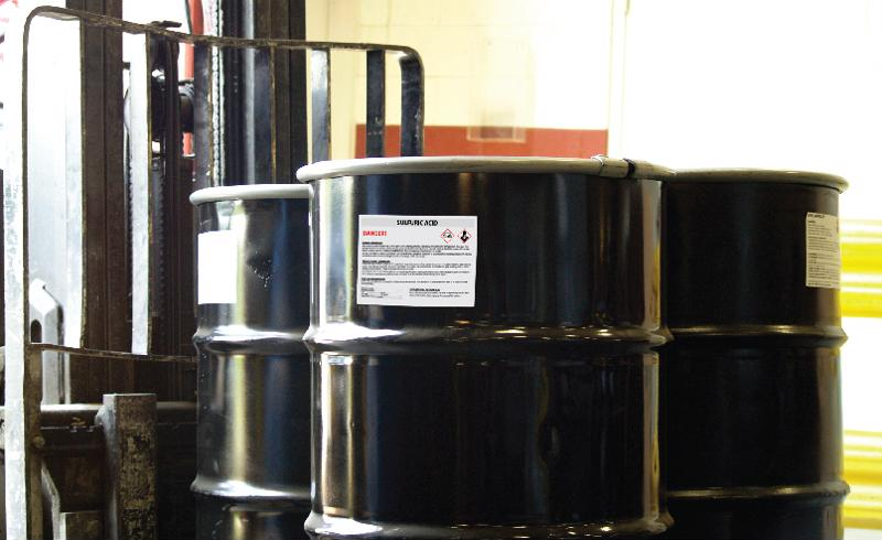 The correct labels can accurately identify hazardous chemicals.