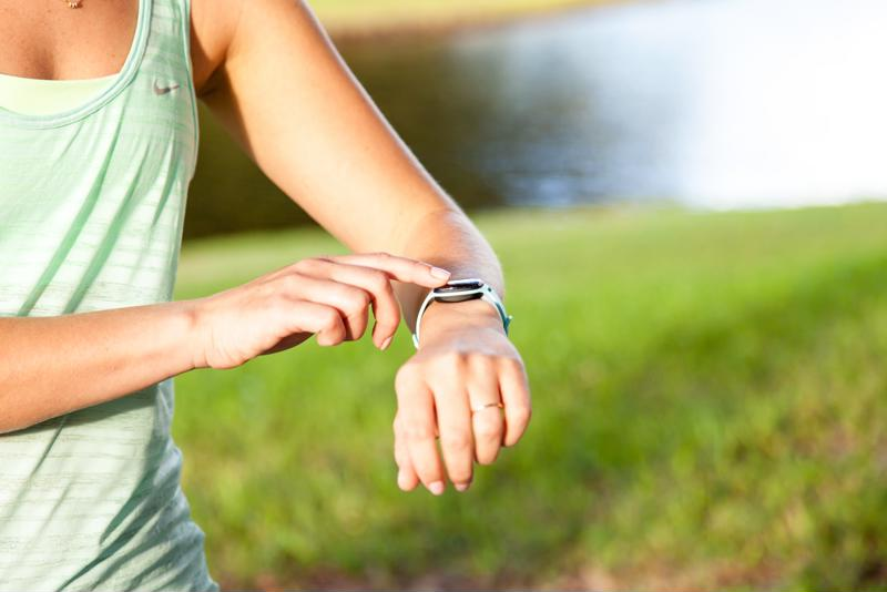 Your nuyu™ Activity Tracker records distances, calories and goals so you don't have to!