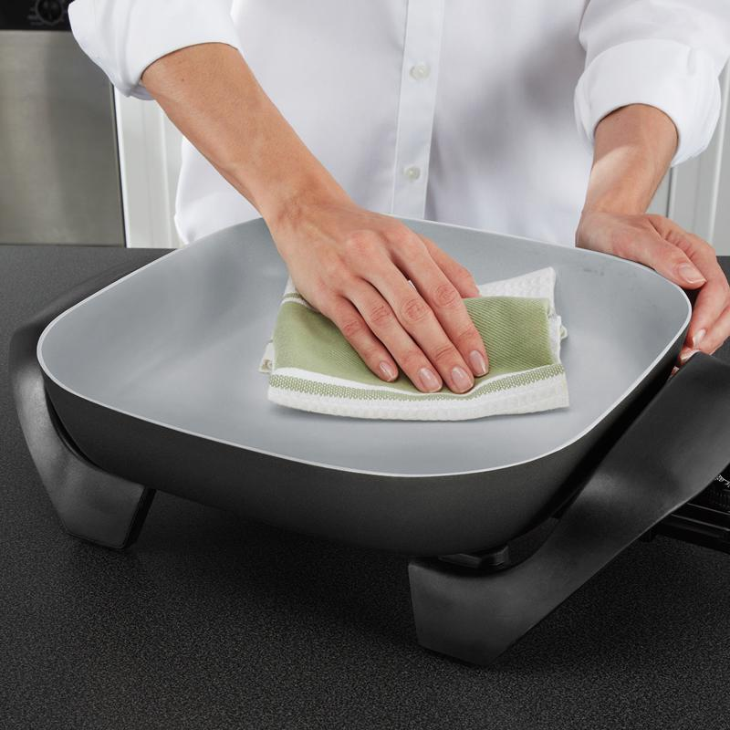 The Oster  DuraCeramic  Electric Skillet wipes down for easy cleaning.