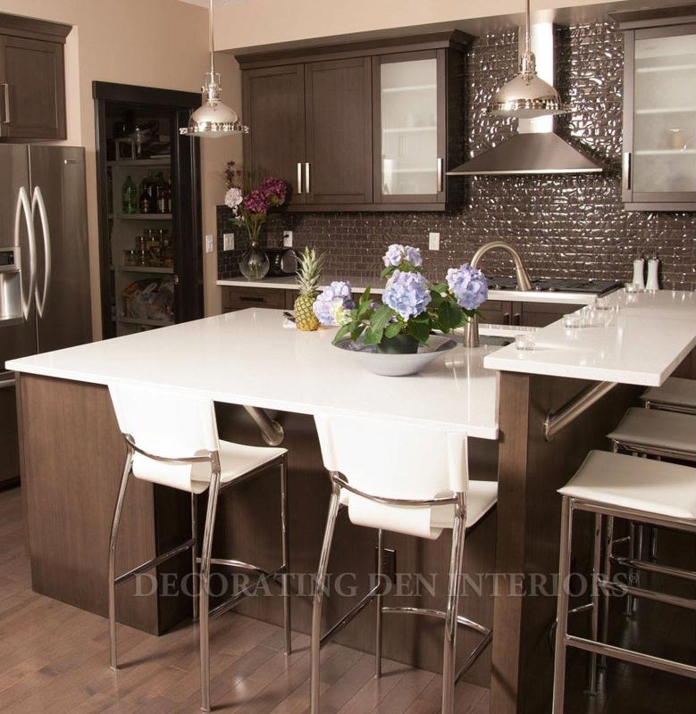 Even choosing kitchen chairs with metal legs can contribute to a modern look.