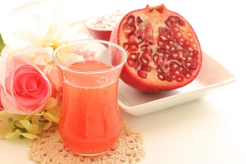 Use the pomegranate seeds as a floating garnish in your margaritas.