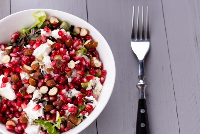 This red rice salad recipe is tasty and nutritious.