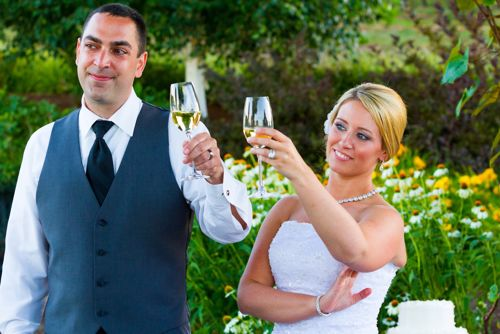 Here are some tips to craft the perfect best man wedding toast.