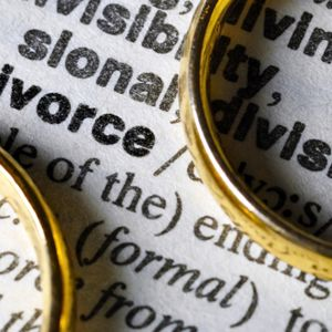 There has been a sharp rise in the divorce rate in recent years.