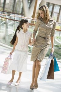 Survey shows Canadians spending more on back-to-school shopping