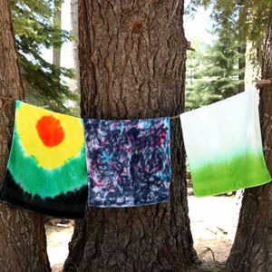 Wow your friends during your next beach trip with tie-dyed towels