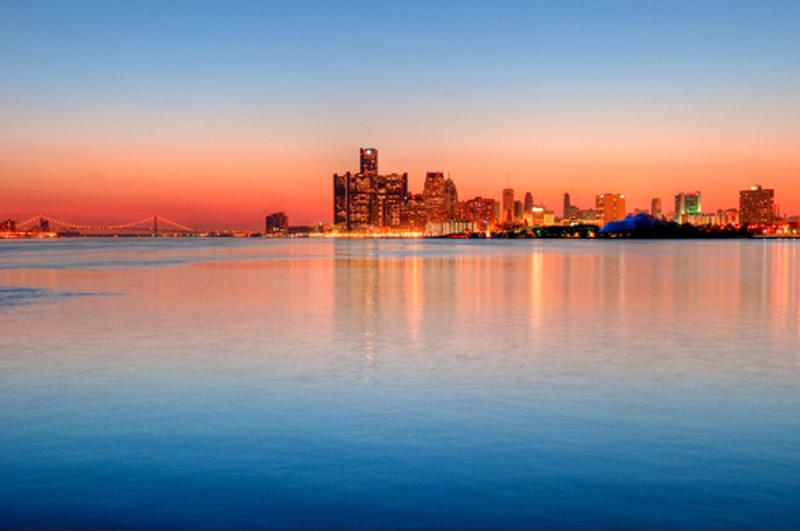 Enjoy the Detroit skyline and dine in style.