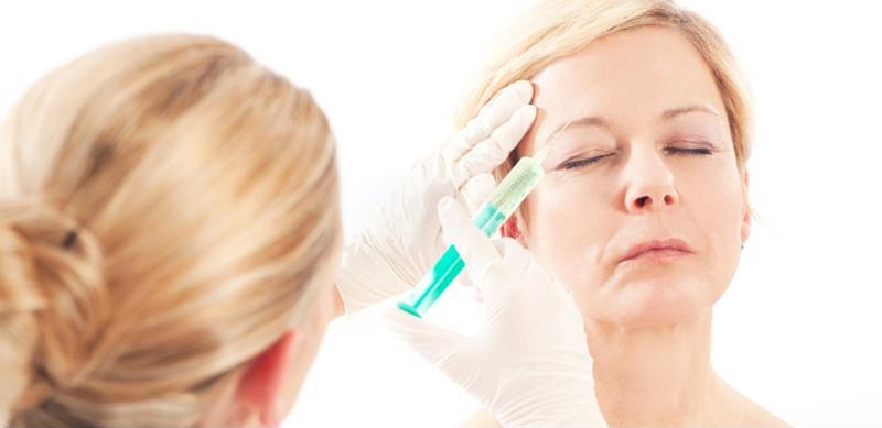 patient getting eyebrow injection