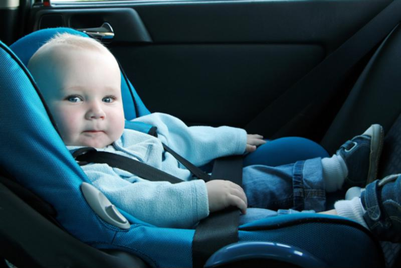 The safest place for young children is in the back seat.