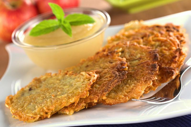 Latkes can be made Pritikin-friendly.