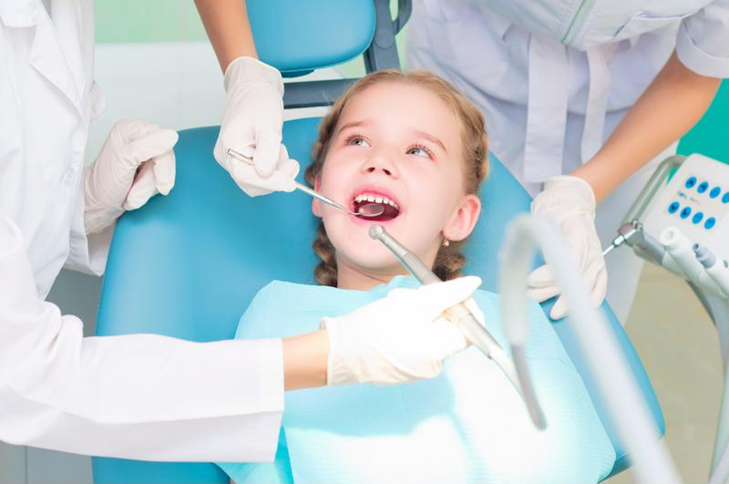 Children don't have to fear the dentist if their parents foster a positive relationship.