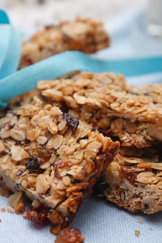 Make your own breakfast bars for a healthy alternative to the store-bought kind.